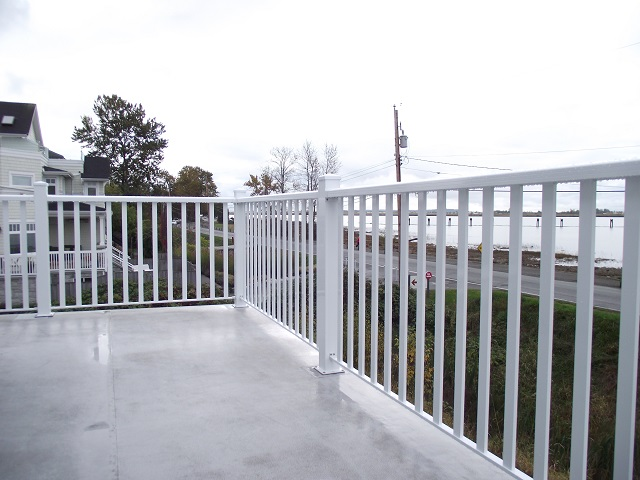 Decorative Aluminum Railings: Add Style to Your Whole House