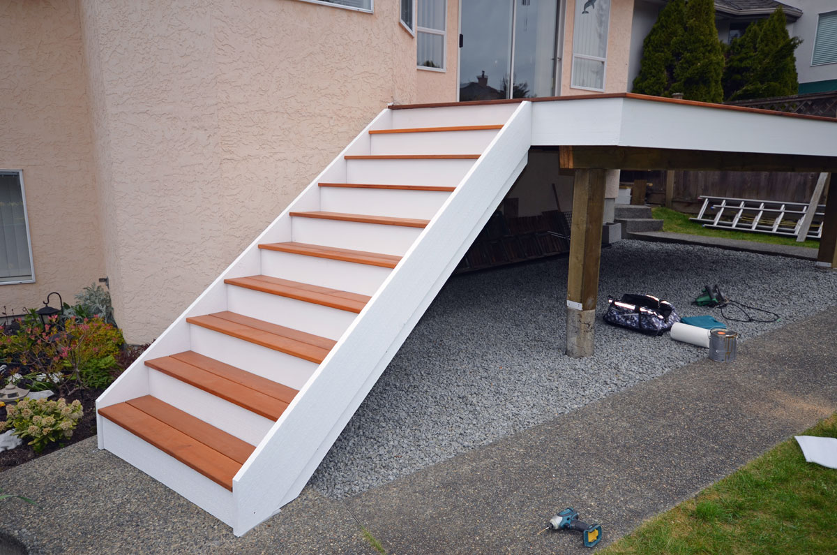 Cedar Decking & Wood Decks Coquitlam