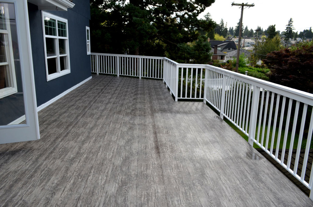 The benefits of having a vinyl deck for Vinyl decking material