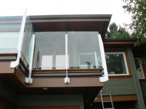 topless glass rail with gutter