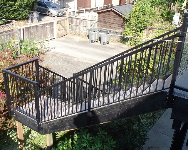 Why Fascia Mounted Aluminum Railings Are Required by BC Building Code