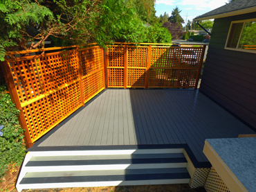 A Trex deck with privacy screen